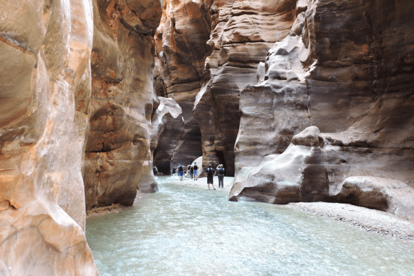 Wadi-Mujib-canyon-trail-min