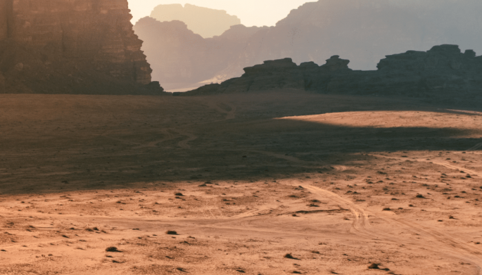 air-balloon-wadi-rum-min